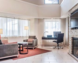Comfort Inn Newmarket - Newmarket - Living room