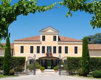 Relais Monaco Country Hotel & Spa - Ponzano Veneto - Building