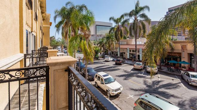 Best Western Plus Hotel at The Convention Center - Long Beach - Rakennus