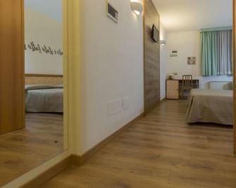 Albergo Tre Ville - Parma - Schlafzimmer