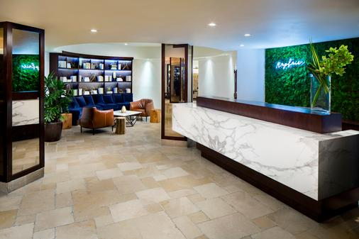 The Mayfair At Coconut Grove - Miami - Front desk