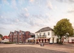 Hotel De Lindeboom - Den Burg - Edificio