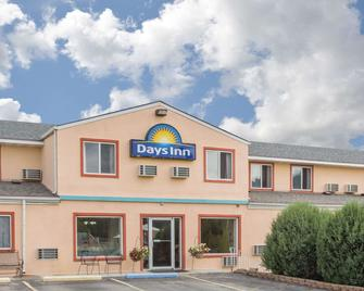 Days Inn by Wyndham Custer - Custer - Gebouw