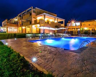 Abbaidda Hotel - Valledoria - Bazén