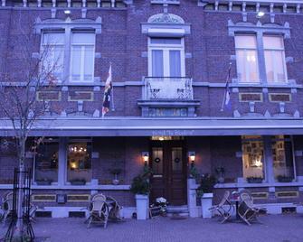 Hotel le Bonheur - Ейсден - Building