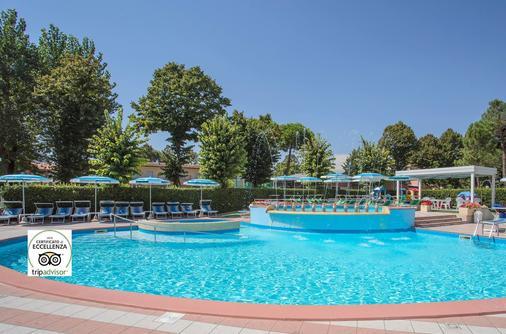 Hotel Smeraldo - Cesenatico - Bể bơi