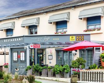 Logis Auberge De La Truffe - Hotel De La Mairie - Sorges-et-Ligueux-en-Périgord - Gebouw