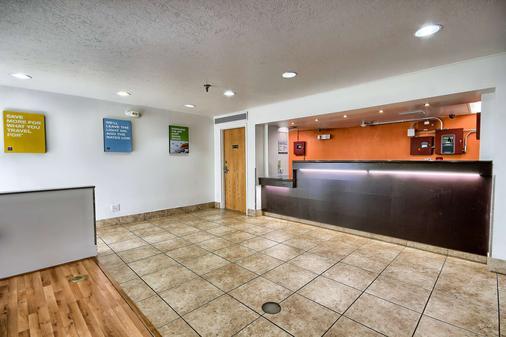 Motel 6 Columbus West - Columbus - Lễ tân