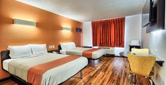 Motel 6 Columbus West - Columbus - Bedroom