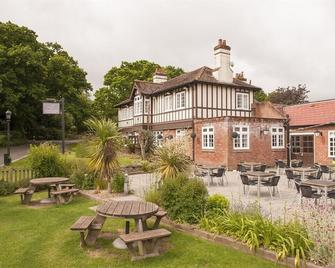 The Fishbourne - Ryde - Patio