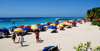 El Greco Resort - מונטגו ביי - חוף
