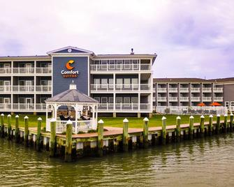 Comfort Suites Chincoteague Island Bayfront Resort - Chincoteague - Building