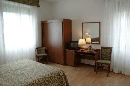Albergo Angiolino - Chianciano Terme - Bedroom