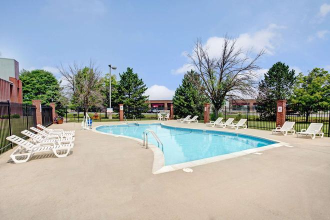 Baymont by Wyndham Indianapolis West - Indianapolis - Pool