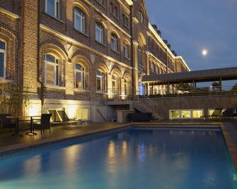 Hotel Verviers Van der Valk - Verviers - Bazén