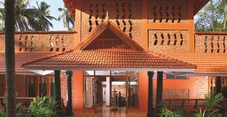 Beach and Lake Ayurvedic Resort - Thiruvananthapuram - Κτίριο