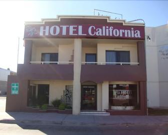 Hotel California - Navojoa - Building