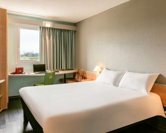 Ibis Auch - Ош - Bedroom