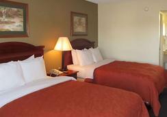 Rodeway Inn Walterboro I-95 - Walterboro - Bedroom