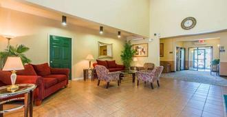 Intown Suites Extended Stay Colorado Springs - קולרדו ספרינגס - לובי