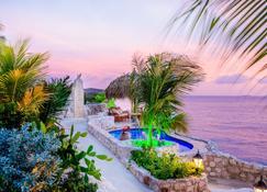 Lagun Blou Resort - Lagún - Piscina