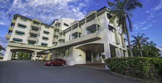 Cairns Sheridan Hotel - קיירנס