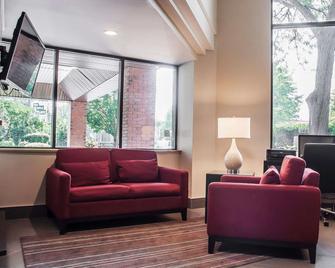 Comfort Inn Simcoe - Simcoe - Lobby