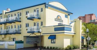 Days Inn by Wyndham Ocean City Oceanfront - Ocean City - Gebäude