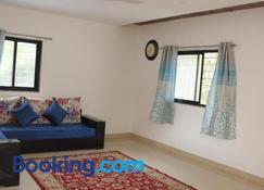 West Vally Farm Villa - Lavasa - Living room