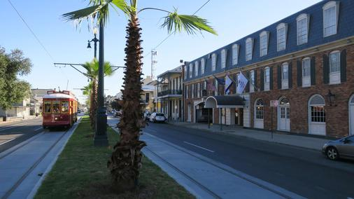 Best Western Plus French Quarter Courtyard Hotel - New Orleans - Building