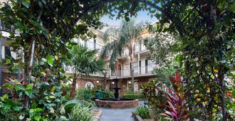 Best Western Plus French Quarter Courtyard Hotel - New Orleans - Gebouw