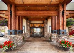 Best Western Plus Flathead Lake Inn And Suites - Kalispell - Building