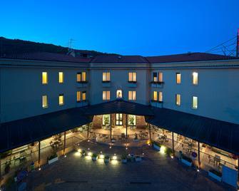 Hotel Delle Rose - Cascia - Building