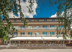 Hotel Macola - Korenica - Edificio