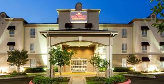Hawthorn Suites by Wyndham College Station - College Station