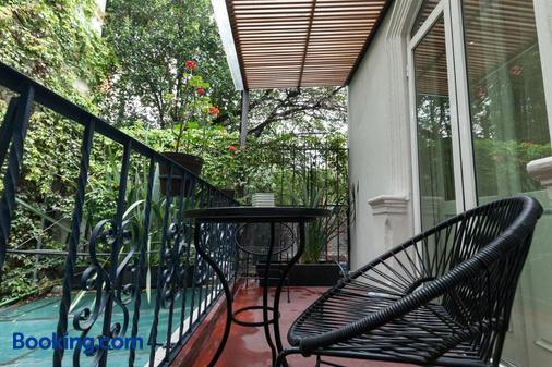Hotel Villa Condesa - Mexico City - Balcony