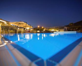 Novotel Salerno Est Arechi - Salerno - Pool