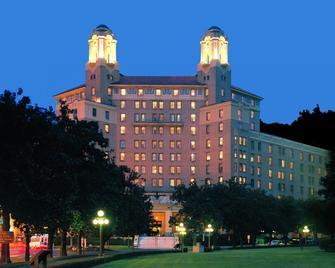 Arlington Resort Hotel & Spa - Hot Springs - Building