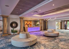 Le Suffren Hotel & Marina - Port Louis - Front desk