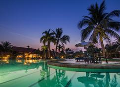 Palace Residence & Villa Siem Reap - Сием Реап - Бассейн