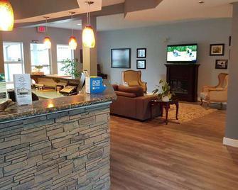 Quarterdeck Inn & Marina Resort - Port Hardy - Receptie