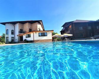 Casa Cartianu - Тиргу-Жіу - Pool