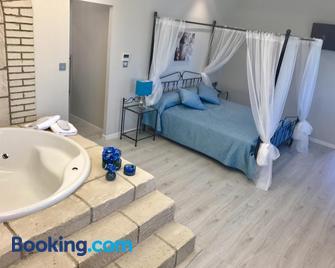 Hotel Castillo Bonavia - Pedrola - Schlafzimmer