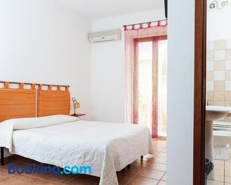 La Mezzanella Guesthouse - Porto Torres - Bedroom