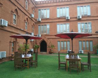 Bagan Landmark Hotel - Bagan - Edificio