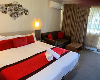 Peninsula Nelson Bay Motel and Serviced Apartments - Taylors Beach - Ložnice