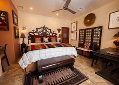 A Sunset Chateau - Sedona - Bedroom