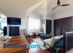 A Penthouse with a View - Belize City - Vardagsrum