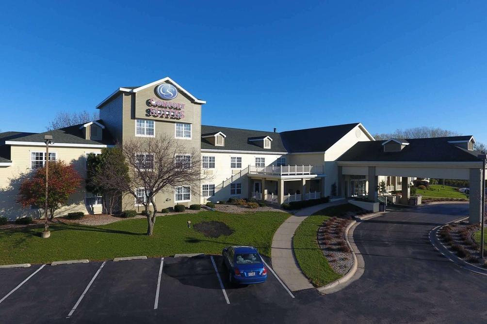 Comfort Suites Appleton Airport 110 1 5 2 Appleton Hotel