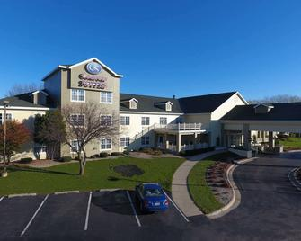 Comfort Suites Appleton Airport - Appleton - Building